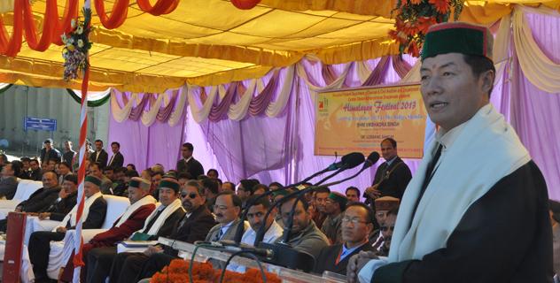 Sikyong Dr. Lobsang Sangay speaks at the Himalayan festival in Shimla on 23 November 2013/DIIR photo