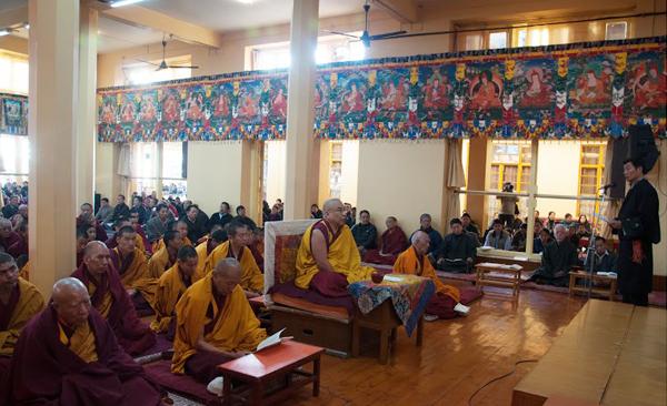 Sikyong Dr Lobsang Sangay speaking at the prayer service at the Tsuglagkhang in Dharamsala, India, on 7 December 2013/DIIR Photo