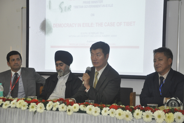 Sikyong Dr Lobsang Sangay with Vice-Chancellor Gurjeet Singh his talk at National Law University and Judicial Academy in Guwahati on 5 February 2014
