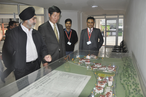 Sikyong with Vice-Chancellor Gurjeet Singh after delivering a lecture on Tibet at the National Law University and Judicial Academy in Guwahati, Assam, on 5 February 2014