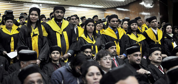 Students and faculty at the 21st convocation of the Himachal Pradesh University in Shimla, India, on 19 March 2014/DIIR photo/Tenzin Phende