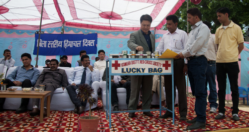 Mr. Tashi Phuntsok, Secretary of the Department of Information and International Relations drawing the lottery.