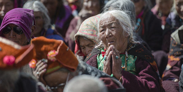 Members of the audience listening to His Holiness the Dalai Lama during the first day of his three day teaching in Padum, Zanskar, J&K, India on June 23, 2014. Photo/Tenzin Choejor/OHHDL