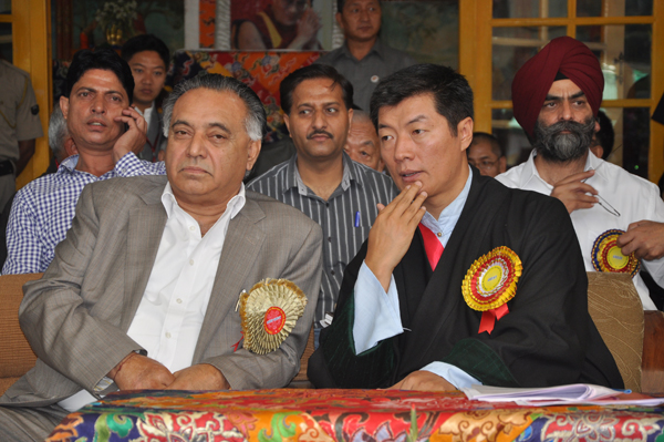 Sikyong Dr. Lobsang Sangay with Mr G S Bali, Transport, Food, Civil Supplies & Consumer Affairs and Technical Education Minister in Himachal Pradesh and other Indian officials on His Holiness the Dalai Lama's 79th birthday celebrations in  Dharamshala, India, 6 July 2014/DIIR Photo/Tenzin Phende
