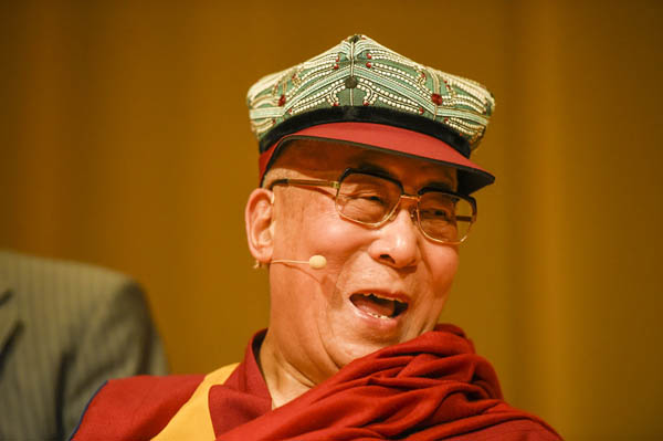 His Holiness the Dalai Lama Meets Tibetan Community and Support