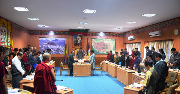 Tibetan Parliament-in-Exile observes a minute's silence to express solidarity with Tibetans suffering under the Chinese government's repressive rule in Tibet, in Dharamsala, India, on 12 September 2014/DIIR photo