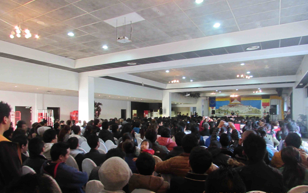 Tibetan Community in Belgium listening to Sikyong Dr Losbang Sangay's address on 17 October 2014/OoT