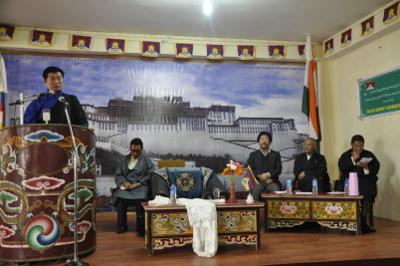 Sikyong adresser au public tibétain à Gangtok au Sikkim.