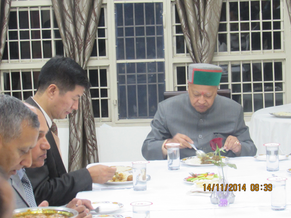 Sikyong with Chief Minister Virbhadra Singh at a dinner hosted by the Director General of Police, Himachal Pradesh, in Dharamshala on 13 October 2014
