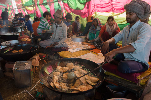 Lunch being prepared for the many thousands attending His Holiness the Dalai Lama's teaching at the Youth Buddhist Society's teaching ground in Sankisa, UP, India on January 31, 2015. Photo/Tenzin Choejor/OHHDL