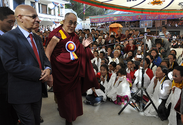 His Holiness the Dalai Lama arrives at the Tibetan Institute of Performing Arts to grace the inaugural ceremony of the 20th Shoton festival, 27 March 2015.
