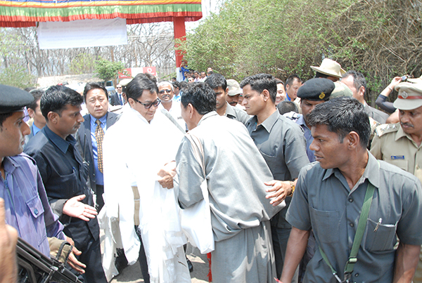 Representatives from the Tibetan community welcoming the minister on his arrival at Bylakuppe, Karnataka state.