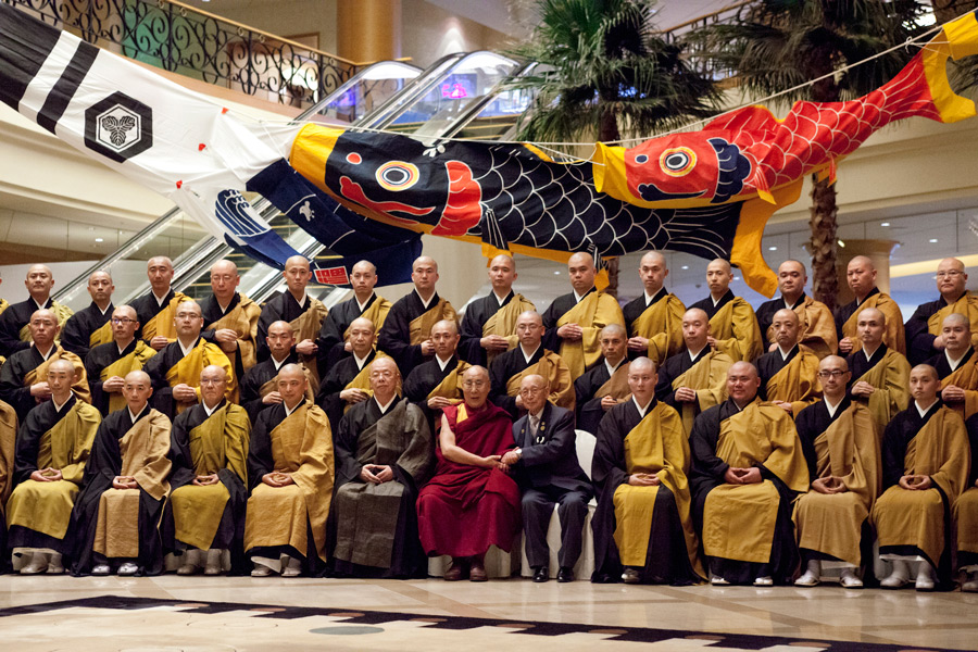 Dalai Lama visits Soto Zen priests and temples in Japan - from earlier this year 2015-04-07-Nagoya-G11