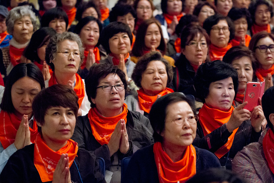 Members of the audience listening to His Holiness the Dalai Lama's teaching at Showa University Hall in Tokyo, Japan on April 12, 2015. Photo/Tenzin Jigmey