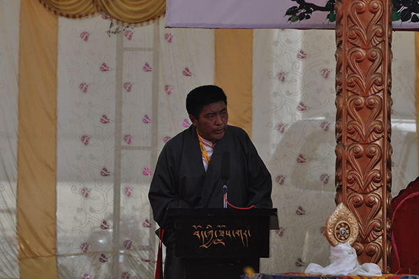 Mr. Wangdue TSering, Directore of TIPA, speaking at the final day of the festival on 5 April 2015.