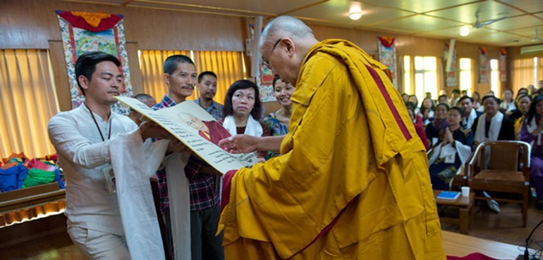 His Holiness the Dalai Lama Meets Vietnamese CEOs