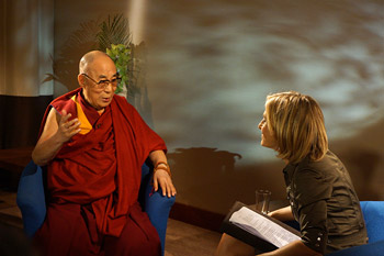 Emily Maitlis of the BBC's Newsnight programme interviewing His Holiness the Dalai Lama in Aldershot, Hampshire, UK on June 29, 2015. Photo/Jeremy Russell/OHHDL