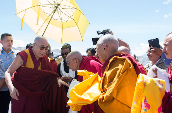 Gaden Tripa Rizong Rinpoche welcoming His Holiness the Dalai Lama on his arrival at the airport in Leh, Ladakh, J&k, India on July 27, 2015. Photo/Tenzin Choejor/OHHDL