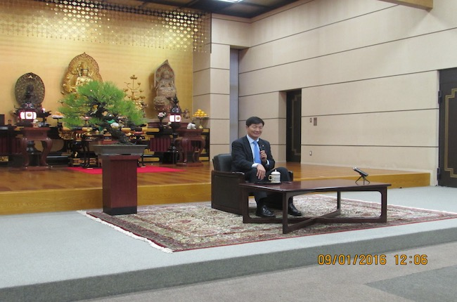 Sikyong Dr Lobsang Sangay speaking on 'Melting Tibet, Threat to Asia' at Gokokuji temple in Tokyo, 9 January 2016.
