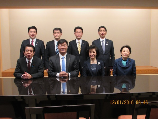 A group photo of Sikyong with the Japanese parliamentarians.