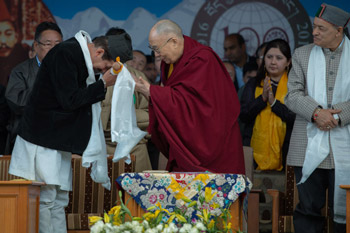 Himachal Pradesh Forestry Minister Shri Thakur Singh Bharmori looks on as His Holiness the Dalai Lama thanks Himachal Pradesh Minister for Ayush Shri Karan Singh with a souvenir at the Centenary Celebrations of the Men-Tsee-Khang in Dharamsala, HP, India on March 23, 2016. Photo/Tenzin Choejor/OHHDL