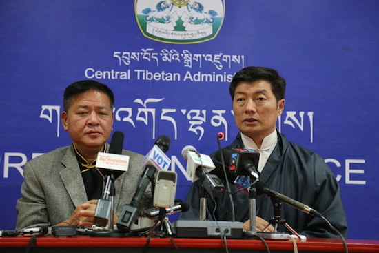 Sikyong Dr Lobsang Sangay (right) and Speaker Penpa Tsering, the two final candidates of the Sikyong election 2016 at the joint press conference on 6 April 2016.