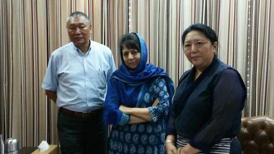 Home Kalon Dolma Gyari with Dr Chering Dorjay and Shrimati Mehbooba Mufti, Chief Minister of Jammu & Kashmir.