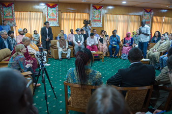 Amule from South Sudan introducing himself to His Holiness the Dalai Lama at the start of the meeting with Youth Leaders at Thekchen Chöling, Dharamsala, HP, India, 3 May 2016. Photo/Tenzin Choejor/OHHDL