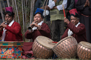Traditional Ladakhi drummers and horn players welcome His Holiness the Dalai Lama on his arrival for lunch at Forest Park in Leh, Ladakh, J&K, India on August 14, 2016. Photo/Tenzin Choejor/OHHDL
