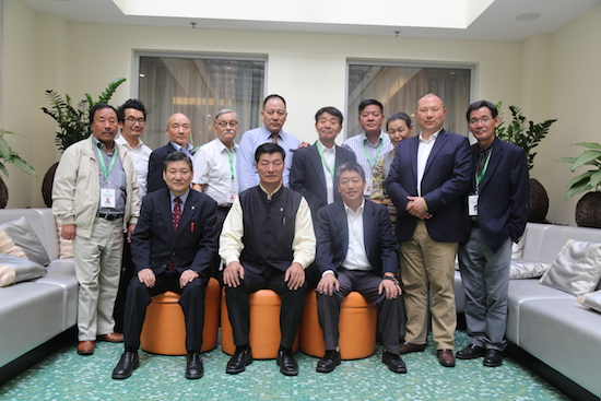 A group photo of the OOT represenatatives with Sikyong Dr Lobsang Sangay and DIIR Secretary Sonam Norbu Dagpo.