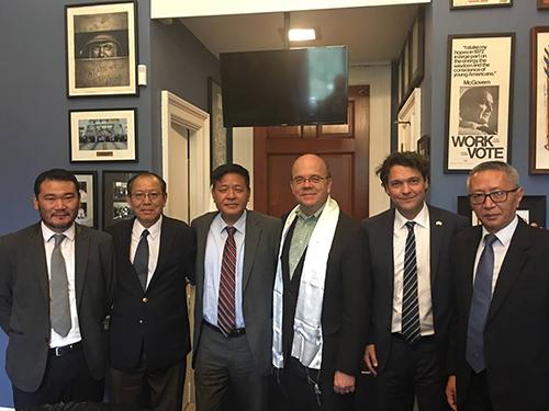 Representative Penpa Tsering, ICT President Mr Matteo Meccaci, Vice President Mr Buchung Tsering, OOT staff Kunga Tashi and Tenzin Ignyen with Congressman Jim McGovern.