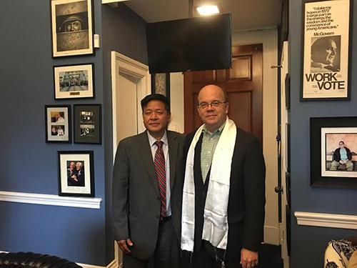 Representative Penap Tsering with US Congressman Jim McGovern on 6 October 2016.