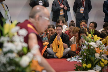 His Holiness the Dalai Lama addressing more than 200 Tibetans who live in Italy, Switzerland and Spain in Milan, Italy on October 21, 2016. Photo/Tenzin Choejor/OHHDL