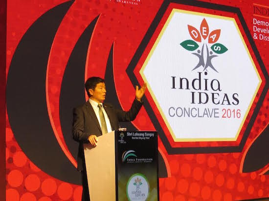 Sikyong addressing over 350 intellectuals, scholars and government leaders at India Ideas Conclave, Goa, 5 November 2016.