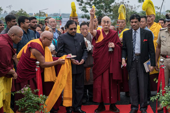 His Holiness the Dalai Lama ceremonially opening up the Dalai Lama Institute for Higher Education in Bengaluru, Karnataka, India on December 14, 2016. Photo/Tenzin Choejor/OHHDL
