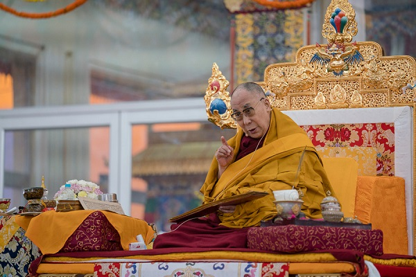 His Holiness the Dalai Lama speaking on the third and final day of the actual Kalachakra Empowerment in Bodhgaya, Bihar, India on January 13, 2017. Photo/Tenzin Choejor/OHHDL
