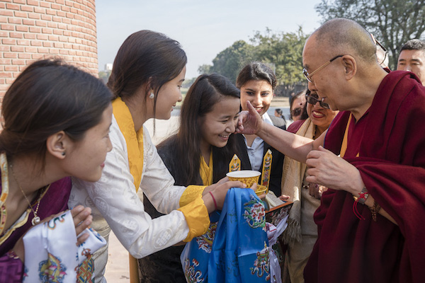Tibetan students offering a traditional welcome to His Holiness the Dalai Lama on his arrival at Jesus & Mary College in New Delhi, India on February 7, 2017. Photo/Tenzin Choejor/OHHDL