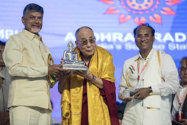 Chief Minister of Andhra Pradesh Mr. N. Chandrababu Naidu and Speaker of Andhra Pradesh Legislative Assembly Dr. Kodela Siva Prasad Rao presenting gifts to His Holiness the Dalai lama at the conclusion of the inaugural ceremony of the National Women�s Parliament in Amaravati, Andhra Pradesh, India on February 10, 2017. Photo by Tenzin Choejor/OHHDL