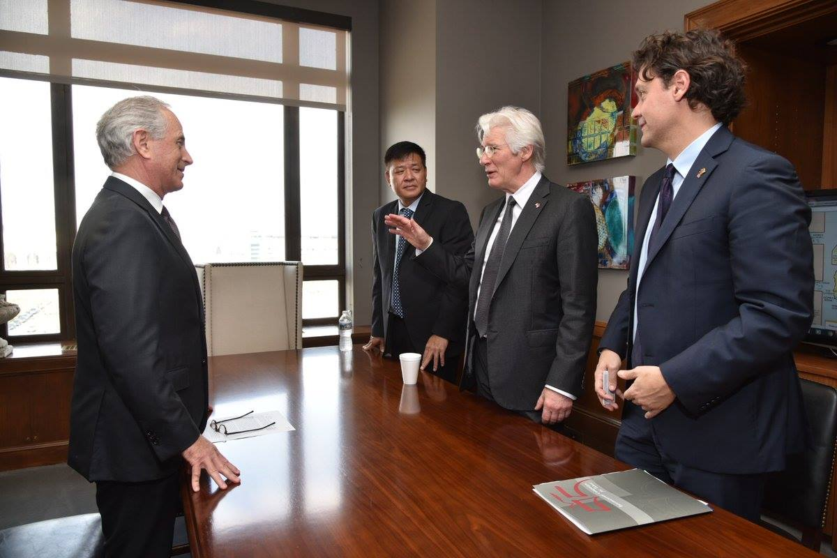 ICT Board Chairman Richard Gere, ICT President Matteo Mecacci, and Penpa Tsering, Representative of H.H. the Dalai Lama, meet with Senator Bob Corker.