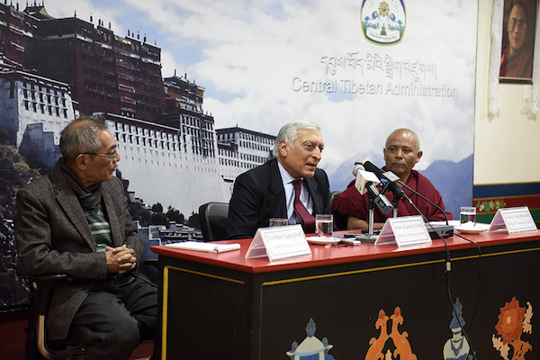 Former Indian Foreign Secretary, Amb Kanwal Sibal speaking to members of Tibetan parliament and officials of Central Tibetan Administration at DIIR Lhakpa Tsering hall, 23 March 2017