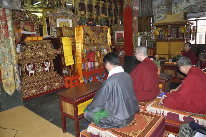 SIkyong attending the teachngs of new Sakya Trizin Vajra Ratna Rinpoche, 31 March 2017.
