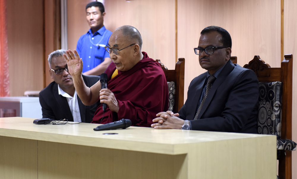 His Holiness the Dalai Lama and Vice Chancellor Shri Mukund Lal Srivastava during the interactive session at Nava Nalanda Mahavihara University in Rajgir, Bihar, India on 18 March 2017. Photo/ Tenzin Phende/DIIR