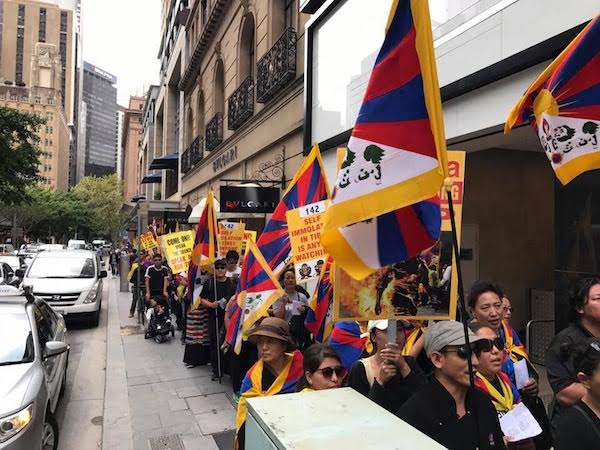 Tibetans protesting in Sydney