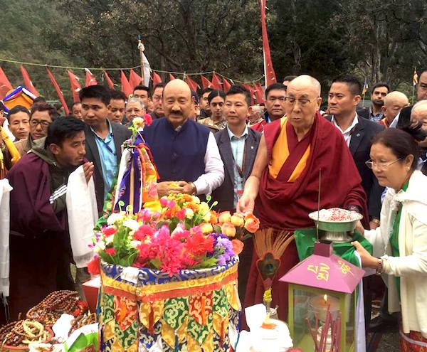 Local Tibetans in Bomdila organises a traditional welcome for His Holiness the Dalai Lama, 4 April 2017.