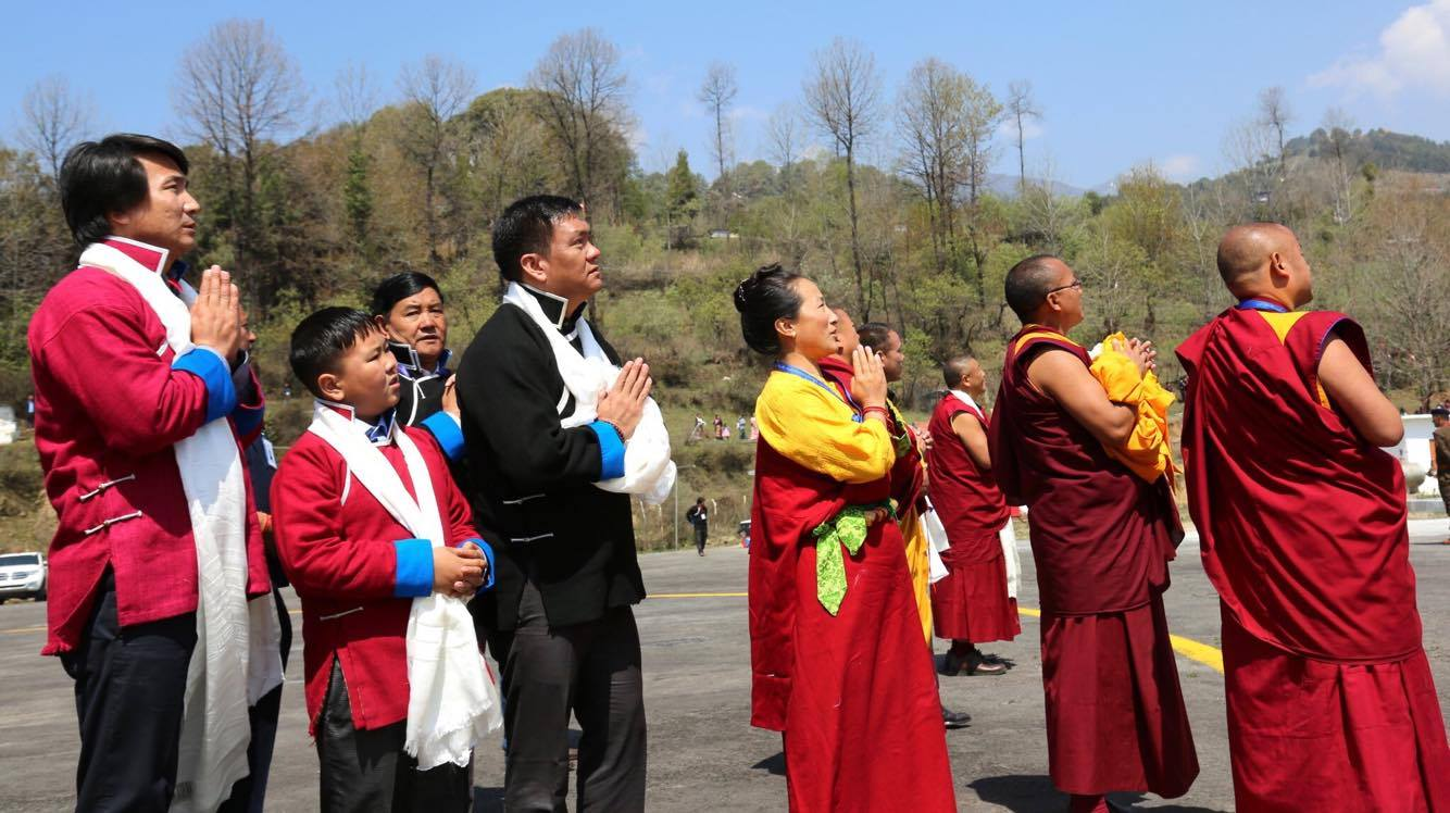 Chief Minister Pema Khandu and family members bade farewell to His Holiness the Dalai Lama at Tawang Helipad, 11 April 2017.
