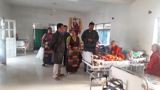 Home Kalon visiting aged Tibetans in Mundgod.