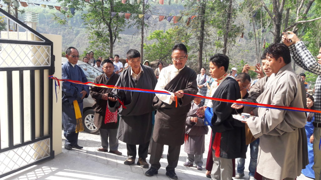 Home Kalon Sonam Topgyal Khorlatsang inaugurating the new guest house of the settlement.