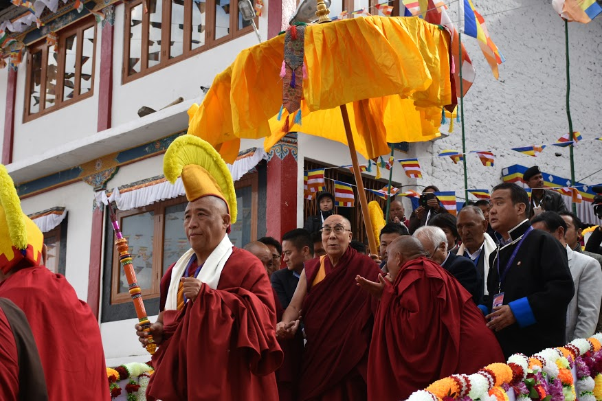 His Holiness the Dalai Lama arrives at the Gaden Namgyal Lhatse monastery in Tawang, 7 April 2017. Photo@Jayang Tsering/DIIR