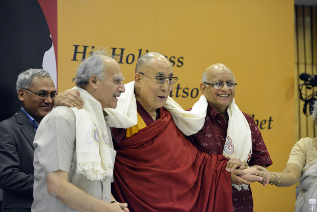 His Holiness the Dalai Lama Flanked by Arun Shourie and Lalit Mansingh at India International Centre. Photo @Lobsang Tsering / OHHDL