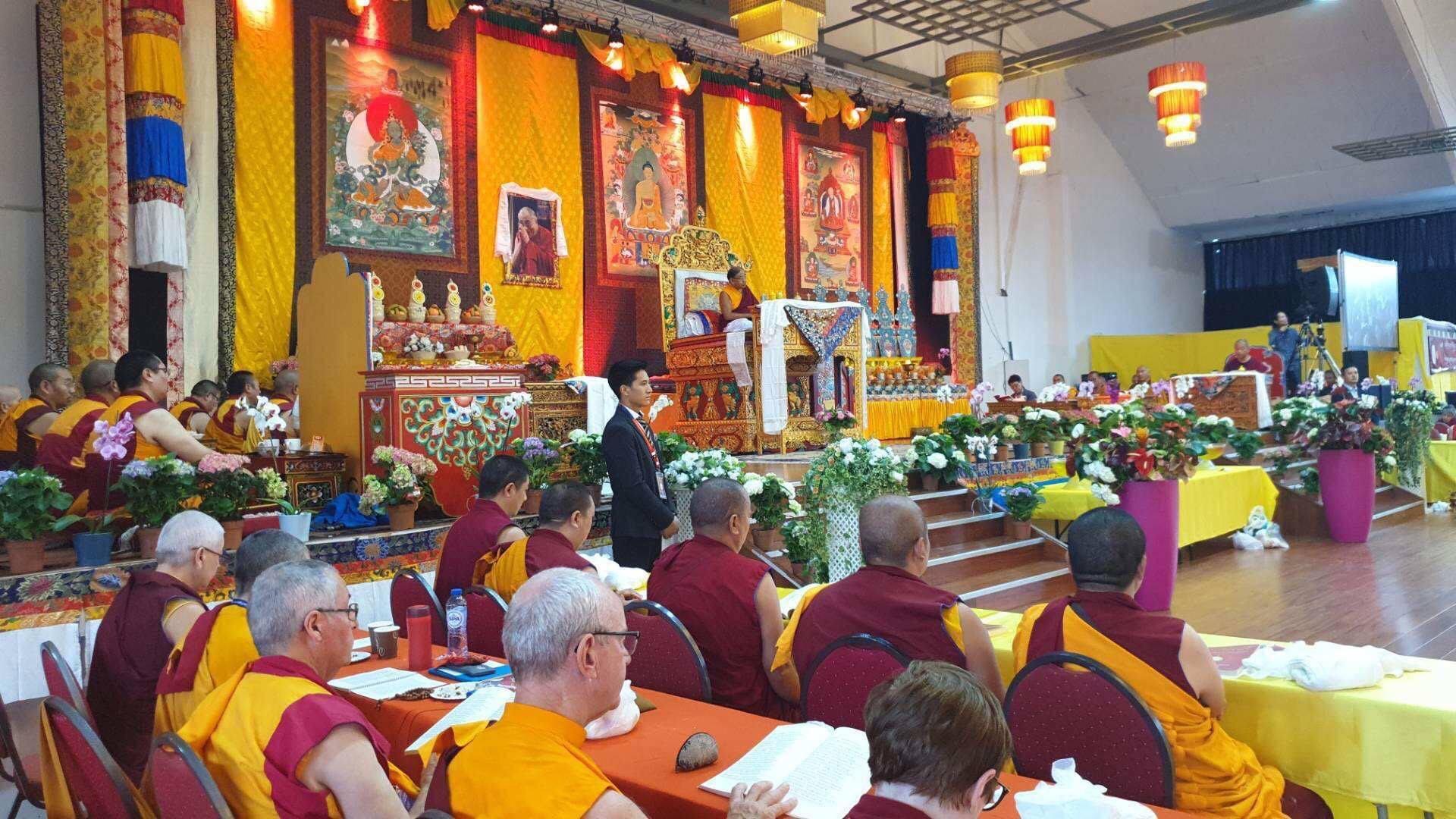 Sakya Trichen Rinpoche Inaugurates First European Sakya